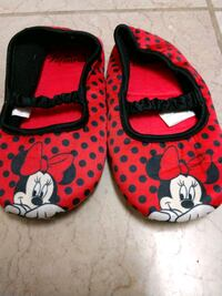 Minnie Mouse slippers size 9/10 Johnson City, 37601