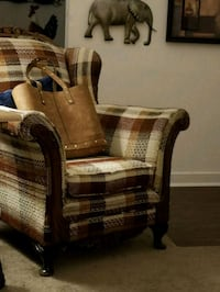 Plaid chair price NEGOTIABLE  Flowood, 39232