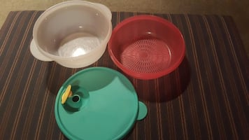TUPPERWARE STEAMER AND STRAINER