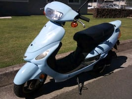 """2018 Only 660 Mile Light Blue  """" PRONTO """" MOPED"""