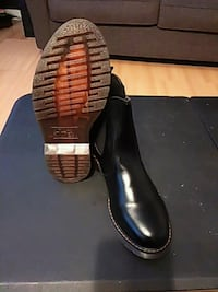 pair of black leather slip-on shoes Payson, 84651
