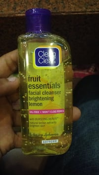 Clean & Clear Oil free face wash