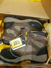 BNIB Woman's safety boots CAT 8.5 Barrie, L4M 7J6