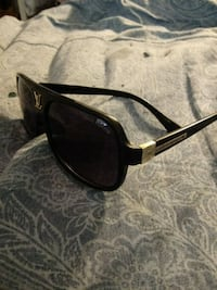 Louis Vuitton sunglasses Washington, 20010