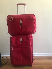 Red carryon + small bag Los Angeles, 91324