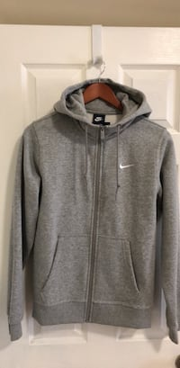 Nike men's Hoodie, small, NWT, originally $55 Garnet Valley, 19060