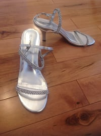 Rhinestone dress sandals, size 9 Prince Edward, K0K
