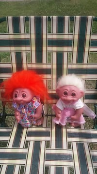 two troll dolls $ 3 each