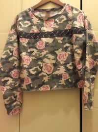 Pink and gray floral long-sleeved shirt