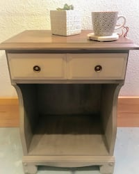 Hand painted end table  Keizer, 97303