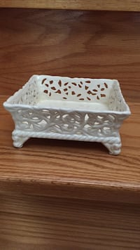 napkin holder / candy dish Vaughan, L4H 1G4