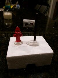 Dept 56 Snow Village fire hydrant and mailbox Braselton, 30517