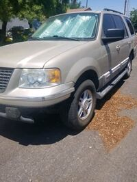 Ford - Expedition - 2004 part out North Las Vegas