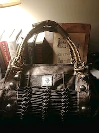 Versace purse 9/10 condition  St. Catharines, L2M 7X4
