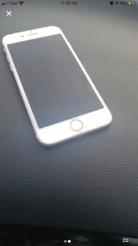 I phone 7 32gb unlocked for sale in good working condition. Toronto, M1K 5B5