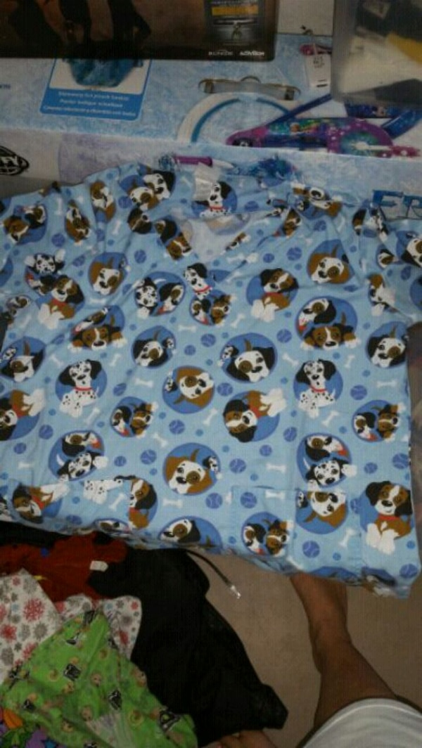 702755a2c0e Used Blue dog print scrub top for sale in Petersburg - letgo