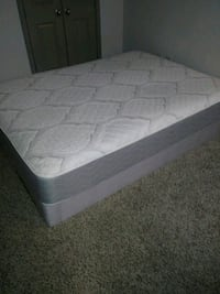 Queen size box spring mattress like you 2 months o Atlanta, 30324