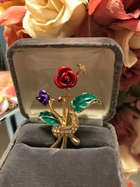 Pretty ! Gold Flower Rose Pin