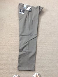 NEW MEN'S DOCKER PANTS Oakville, L6M 5B2