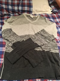 Guess Sweater Mississauga, L5M 7N8