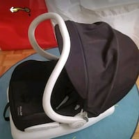 baby's black and gray car seat carrier Montréal, H2M 1B8