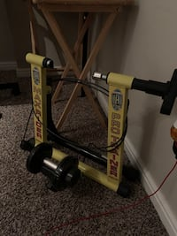 Ride all day bike trainer, never used