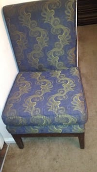 blue and brown floral padded chair Alexandria, 22311