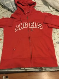 Red and white hollister pullover hoodie POMONA