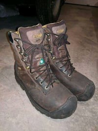 pair of brown-and-black work boots Calgary, T3M