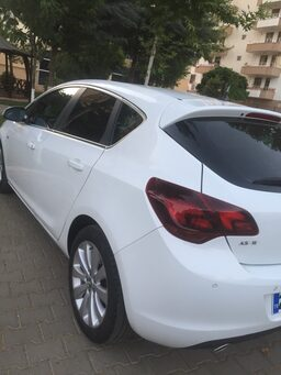 2011 Opel Astra HB 1.4 140 PS COSMO 105162b6-02ae-4d64-82c0-f885100a9744