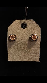 #5 Flower studs  Vancouver, 98661