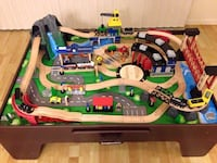 Train table set Fairfield, 94534
