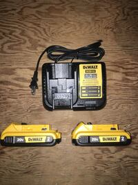 DeWalt 20 volt XR 2.0ah batteries and charger  558 km