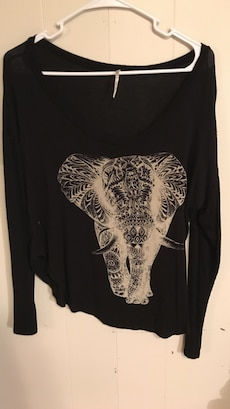women's black and white elephant printed scoop neck long sleeve shirt