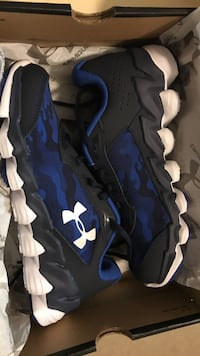 Brand new kids size 2 under armour shoes Weslaco, 78596