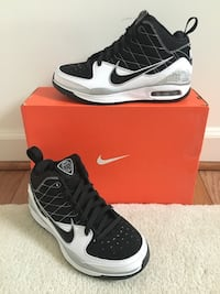 NEW Black & white NIKE Blue Chip II shoes, size 8 Germantown, 20874
