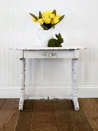 Accent Table/End Table/Nightstand  Aldie, 20105
