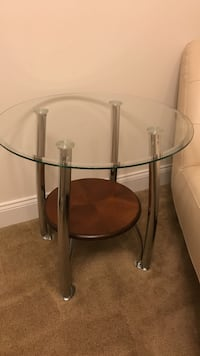 Round glass-top side table with metal base Olney, 20832