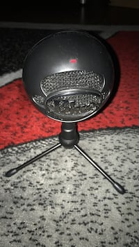 Blue Snowball with Tripod + Cable Evergreen Park, 60805