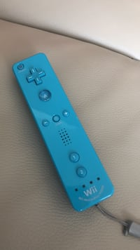 Blue wii motion plus controller  Mississauga, L5M 5W7