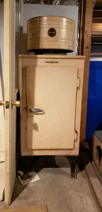 General electric fridge. Works great Shirley, 11967