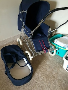 Baby's blue travel system