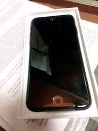 black iPhone 7 with box Queens, 11434