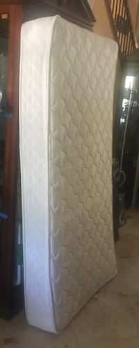 quilted white and gray mattress San Jose, 95135