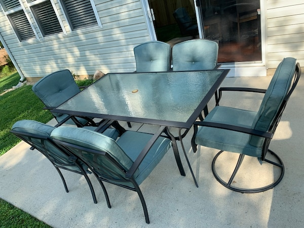 7 piece patio set & cushions