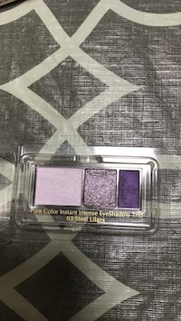 Ester Lauder pure color instant intense eyeshadow trio Vaughan, L4J 9K9