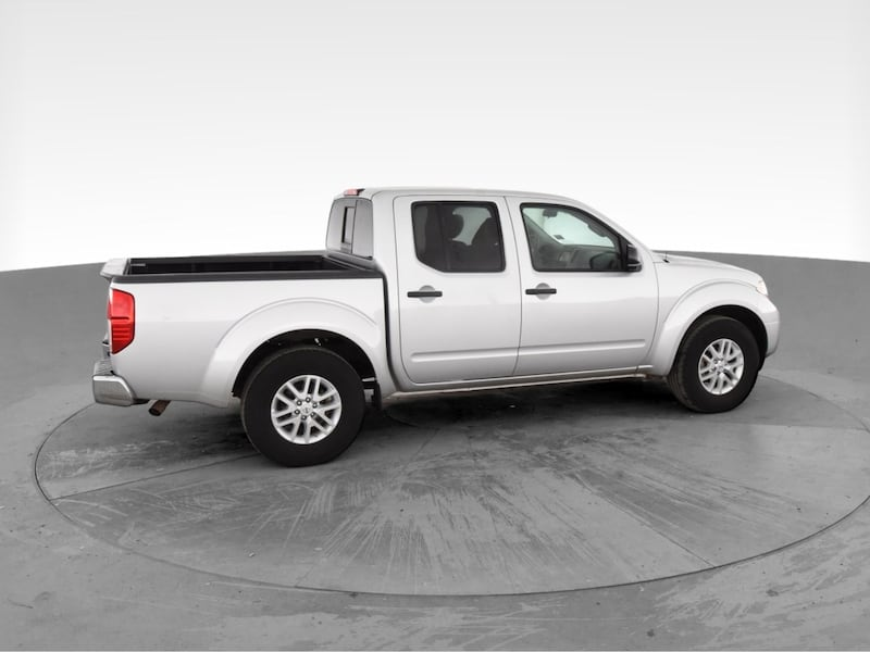 2019 Nissan Frontier Crew Cab pickup SV Pickup 4D 5 ft Silver <br b727ad98-d738-471a-a380-f3f1907929df