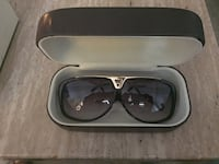 Authentic Louis Vuitton Evidence glasses 9/10 condition Serious Inquiries and no low ball offers please. 548 km