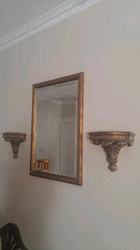 Mirror and wall sconces Newmarket, L3Y