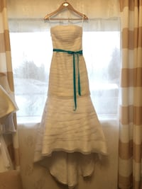 Size 2 David's Bridal wedding dress Mississauga, L5J 3M9